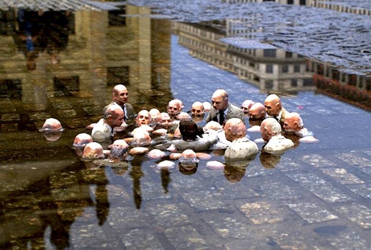Políticos discutiendo sobre el cambio climático - Isaac Cordal